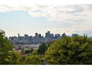 """Photo 12: 1476 GRAVELEY Street in Vancouver: Grandview VE House for sale in """"COMMERCIAL DRIVE"""" (Vancouver East)  : MLS®# V903688"""
