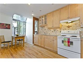 Photo 5: 2 1549 HARO Street in Vancouver: West End VW Condo for sale (Vancouver West)  : MLS®# V905363
