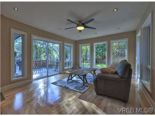 Photo 11: 2881 Phyllis Street in VICTORIA: SE Ten Mile Point Residential for sale (Saanich East)  : MLS®# 303291