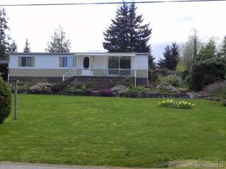 Photo 1: 7621 Ships Point Rd in FANNY BAY: CV Union Bay/Fanny Bay Manufactured Home for sale (Comox Valley)  : MLS®# 662824