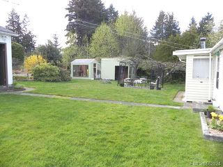 Photo 5: 7621 Ships Point Rd in FANNY BAY: CV Union Bay/Fanny Bay Manufactured Home for sale (Comox Valley)  : MLS®# 662824