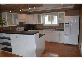 Photo 10: 5833 TRAIL Avenue in Sechelt: Sechelt District House for sale (Sunshine Coast)  : MLS®# V1050172