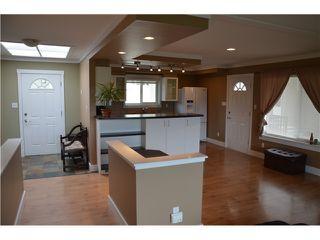 Photo 9: 5833 TRAIL Avenue in Sechelt: Sechelt District House for sale (Sunshine Coast)  : MLS®# V1050172