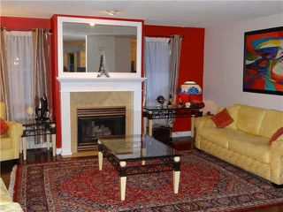 Photo 5: 231 14861 98 Avenue in Surrey: Guildford Townhouse for sale (North Surrey)  : MLS®# F1428925