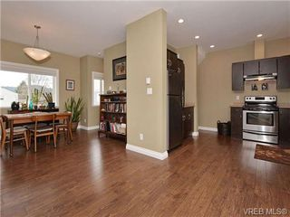 Photo 6: 113 643 Granderson Rd in VICTORIA: La Fairway Row/Townhouse for sale (Langford)  : MLS®# 698748