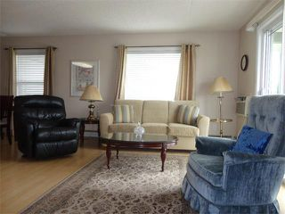Photo 7: 304 101 3 Street NW: Sundre Condo for sale : MLS®# C4015441