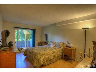 Photo 6: 8 949 Cloverdale Avenue in VICTORIA: SE Quadra Condo Apartment for sale (Saanich East)  : MLS®# 353688