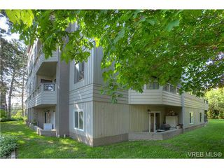 Photo 18: 8 949 Cloverdale Avenue in VICTORIA: SE Quadra Condo Apartment for sale (Saanich East)  : MLS®# 353688