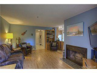 Photo 5: 8 949 Cloverdale Avenue in VICTORIA: SE Quadra Condo Apartment for sale (Saanich East)  : MLS®# 353688