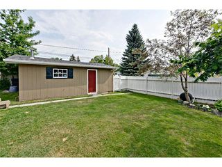 Photo 31: 6304 LACOMBE Way SW in Calgary: Lakeview House for sale : MLS®# C4020490