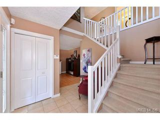 Photo 2: 1644 Denman St in VICTORIA: Vi Fernwood House for sale (Victoria)  : MLS®# 710248