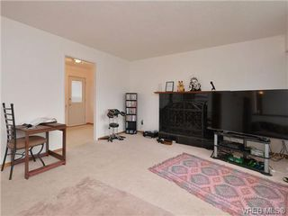 Photo 4: 532 Bowlsby Pl in VICTORIA: VW Victoria West House for sale (Victoria West)  : MLS®# 715139