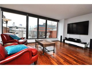 Photo 2: 402 929 18 Avenue SW in Calgary: Lower Mount Royal Condo for sale : MLS®# C4044007