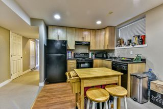 Photo 18: 16620 60TH Avenue in Surrey: Cloverdale BC 1/2 Duplex for sale (Cloverdale)  : MLS®# R2063363
