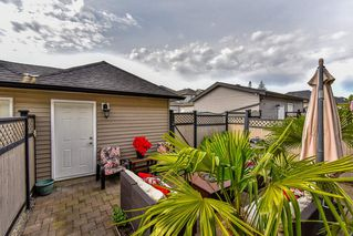 Photo 20: 16620 60TH Avenue in Surrey: Cloverdale BC House 1/2 Duplex for sale (Cloverdale)  : MLS®# R2063363