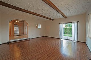 Photo 3: 8298 CEDAR Street in Mission: Mission BC House for sale : MLS®# R2080262