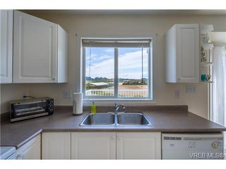 Photo 11: 6775 Danica Place in VICTORIA: CS Martindale Single Family Detached for sale (Central Saanich)  : MLS®# 369070