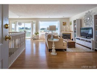 Photo 5: 6775 Danica Place in VICTORIA: CS Martindale Single Family Detached for sale (Central Saanich)  : MLS®# 369070