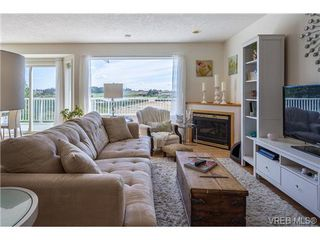 Photo 6: 6775 Danica Pl in VICTORIA: CS Martindale House for sale (Central Saanich)  : MLS®# 740131