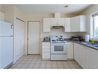 Photo 10: 6775 Danica Place in VICTORIA: CS Martindale Single Family Detached for sale (Central Saanich)  : MLS®# 369070
