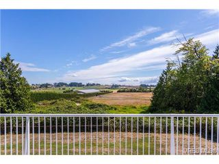 Photo 1: 6775 Danica Place in VICTORIA: CS Martindale Single Family Detached for sale (Central Saanich)  : MLS®# 369070