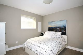 Photo 17: 18170 70 Avenue in Surrey: Cloverdale BC House 1/2 Duplex for sale (Cloverdale)  : MLS®# R2103288
