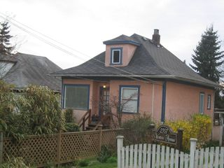 Photo 2: 2345 WESTERN Ave in North Vancouver: Home for sale : MLS®# V762470