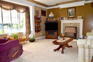 Photo 3: 33877 WALNUT Avenue in Abbotsford: Central Abbotsford House Triplex for sale : MLS®# R2190185