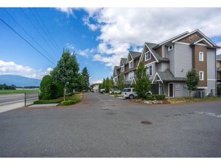 """Photo 2: 1 7428 EVANS Road in Sardis: Sardis West Vedder Rd Townhouse for sale in """"Countryside Estates"""" : MLS®# R2191400"""
