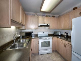 "Photo 10: 301 1172 55 Street in Delta: Tsawwassen Central Condo for sale in ""HEATHWOOD"" (Tsawwassen)  : MLS®# R2200283"