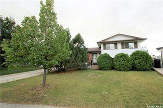 Main Photo: 406 Highlands Crescent in Saskatoon: Wildwood Residential for sale : MLS®# SK707020