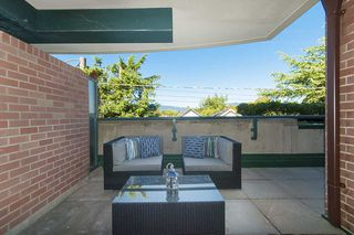 """Photo 14: 212 2665 W BROADWAY in Vancouver: Kitsilano Condo for sale in """"THE MAGUIRE BUILDING"""" (Vancouver West)  : MLS®# R2209718"""