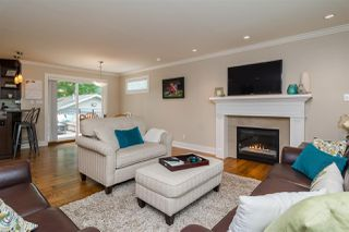 Photo 4: 20610 44A AVENUE in Langley: Langley City House for sale : MLS®# R2203838