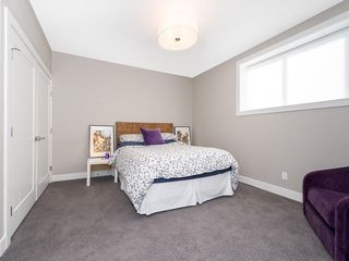 Photo 35: 2327 4 Avenue NW in Calgary: West Hillhurst House for sale : MLS®# C4143622
