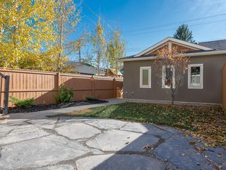 Photo 38: 2327 4 Avenue NW in Calgary: West Hillhurst House for sale : MLS®# C4143622