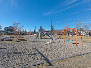 Photo 39: 2327 4 Avenue NW in Calgary: West Hillhurst House for sale : MLS®# C4143622