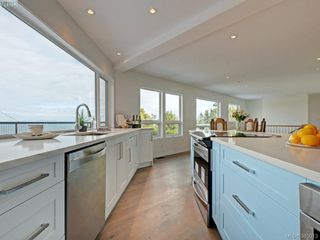 Photo 9: 5026 Sunrise Terrace in VICTORIA: SE Cordova Bay Single Family Detached for sale (Saanich East)  : MLS®# 385013