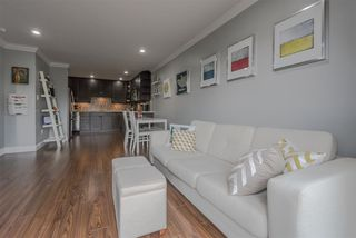 "Photo 3: 304 2121 W 6TH Avenue in Vancouver: Kitsilano Condo for sale in ""CONNAUGHT COURT"" (Vancouver West)  : MLS®# R2244511"