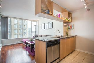 "Photo 3: 2006 1010 RICHARDS Street in Vancouver: Yaletown Condo for sale in ""The Gallery"" (Vancouver West)  : MLS®# R2252672"