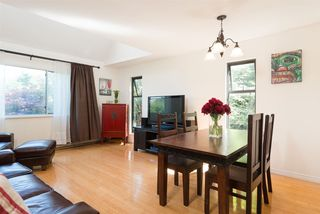 "Photo 2: 305 2001 BALSAM Street in Vancouver: Kitsilano Condo for sale in ""Balsam Mews"" (Vancouver West)  : MLS®# R2272513"