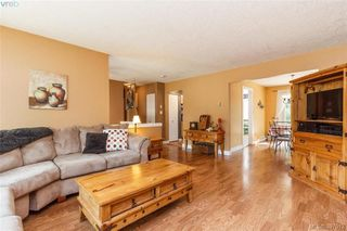 Photo 3: 2895 Cudlip Rd in SHAWNIGAN LAKE: ML Shawnigan House for sale (Malahat & Area)  : MLS®# 795163