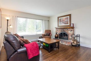 "Photo 3: 20235 36 Avenue in Langley: Brookswood Langley House for sale in ""Brookswood"" : MLS®# R2301406"