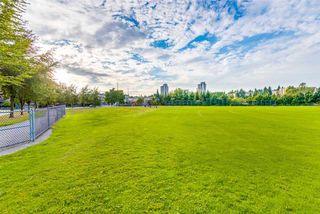 "Photo 20: 401 675 PARK Crescent in New Westminster: GlenBrooke North Condo for sale in ""WINCHESTER"" : MLS®# R2304752"