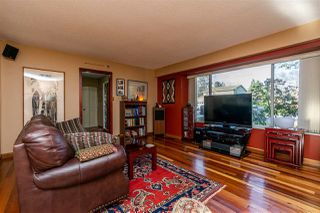 Photo 3: 5504 50 Avenue in Delta: Hawthorne House for sale (Ladner)  : MLS®# R2331315