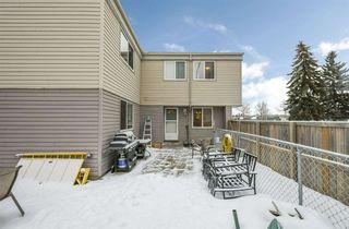 Photo 2: 5632 148 Street in Edmonton: Zone 14 Townhouse for sale : MLS®# E4139909