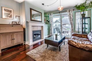 "Photo 2: 23 230 TENTH Street in New Westminster: Uptown NW Townhouse for sale in ""CROSBY"" : MLS®# R2338145"