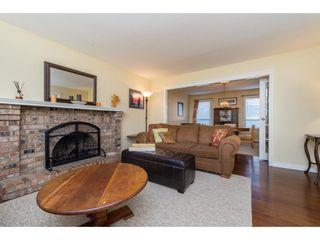 Photo 5: 3753 NANAIMO Crescent in Abbotsford: Central Abbotsford House for sale : MLS®# R2353816