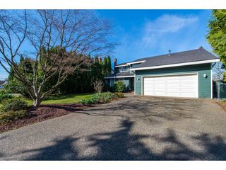 Photo 2: 3753 NANAIMO Crescent in Abbotsford: Central Abbotsford House for sale : MLS®# R2353816