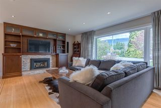 Photo 2: 2402 LAURALYNN Drive in North Vancouver: Westlynn House for sale : MLS®# R2359905