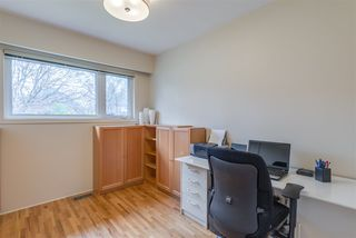 Photo 14: 2402 LAURALYNN Drive in North Vancouver: Westlynn House for sale : MLS®# R2359905